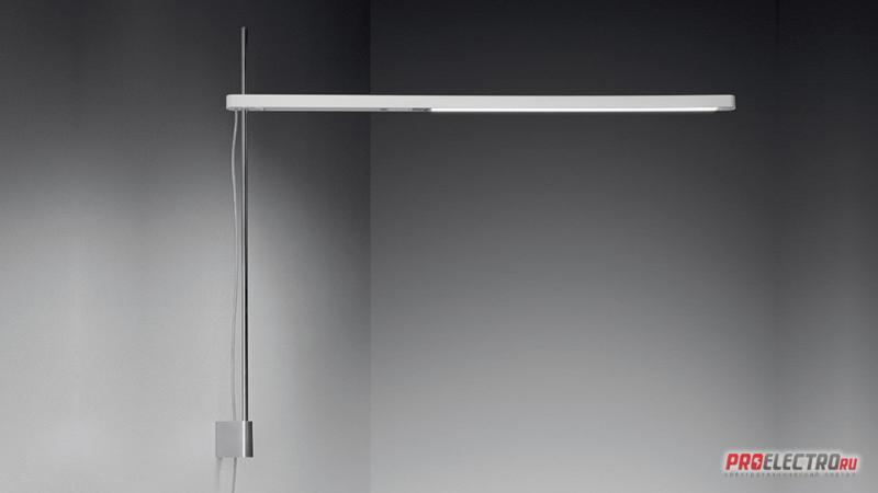 Artemide with Base 0682 050A бра